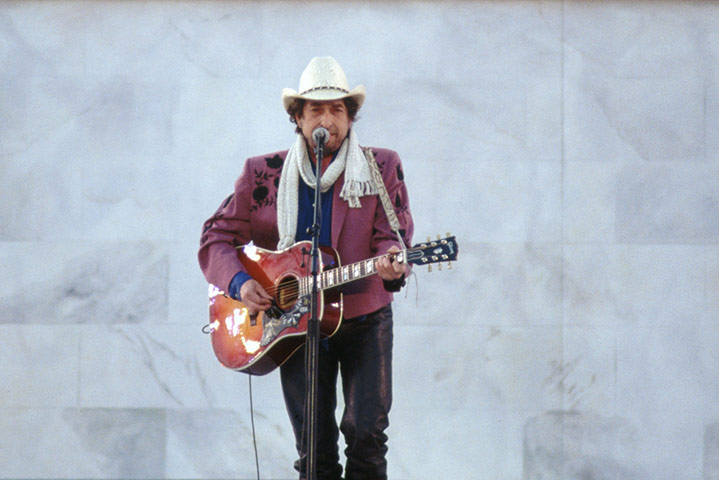 an analysis of the singer bob dylan singing about the monkeys Five extraordinary poems that inspired bob dylan through desolation row and provided a model that the young singer was keen bob dylan's songs.