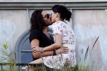 katy-perry-russell-brand-kissing-01