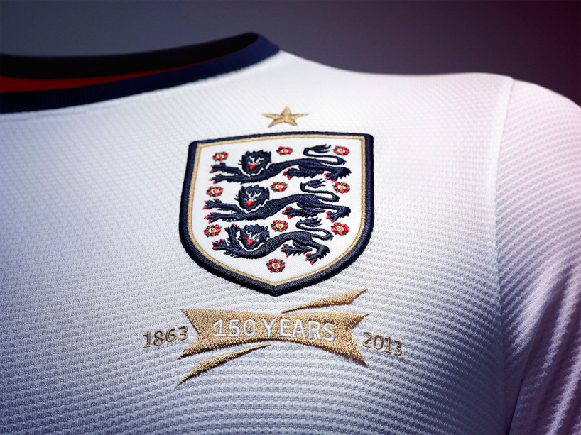Nike 2013 England Football Kit_04