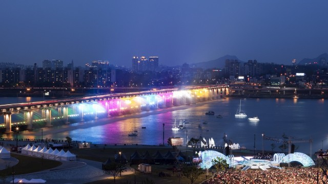 Bampo Bridge LED Rainbow Fountain_02