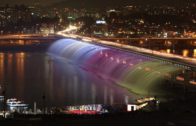 Bampo Bridge LED Rainbow Fountain_05