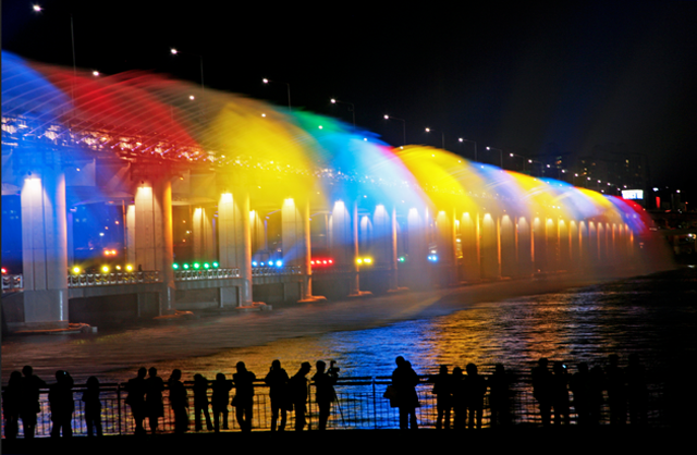 Bampo Bridge LED Rainbow Fountain_06
