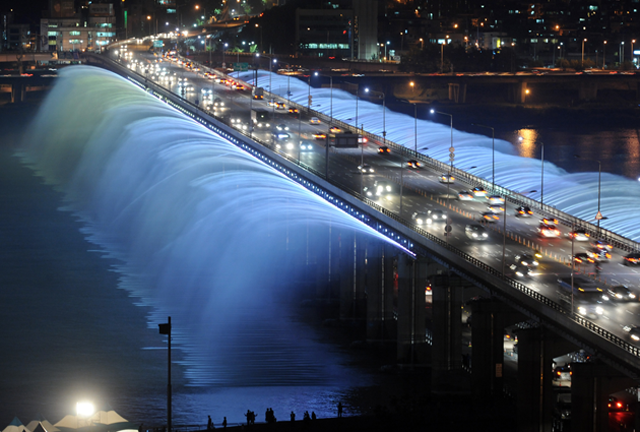 Bampo Bridge LED Rainbow Fountain_08