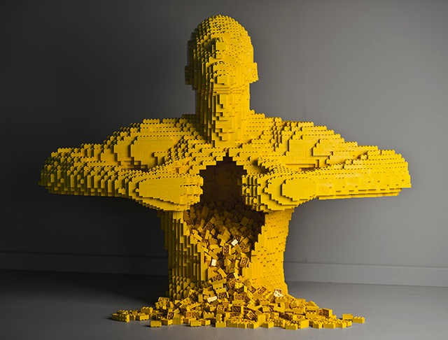 Nathan Sawaya - Art of the Brick_01