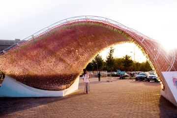 Coca-Cola Bow Pavilion - The Cola Bow_01
