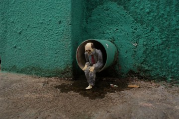 Isaac Cordal Cement Eclipses_11