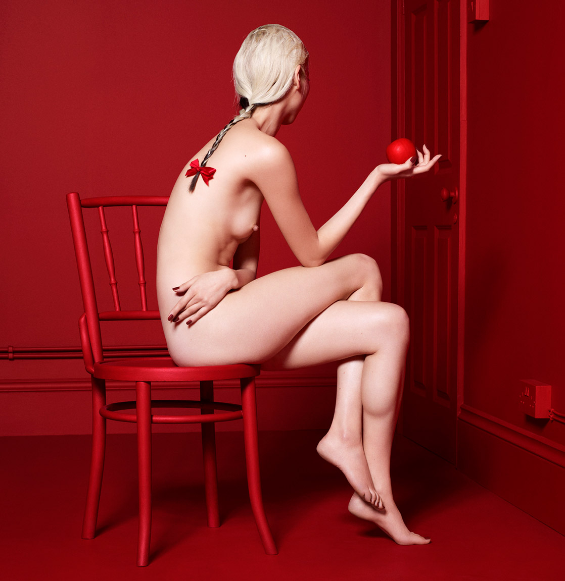 Magazine Antidote The Red Room Project_15