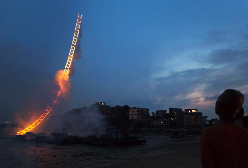 cai-guo-qiang-sky-ladder-fireworks-culture and life-02