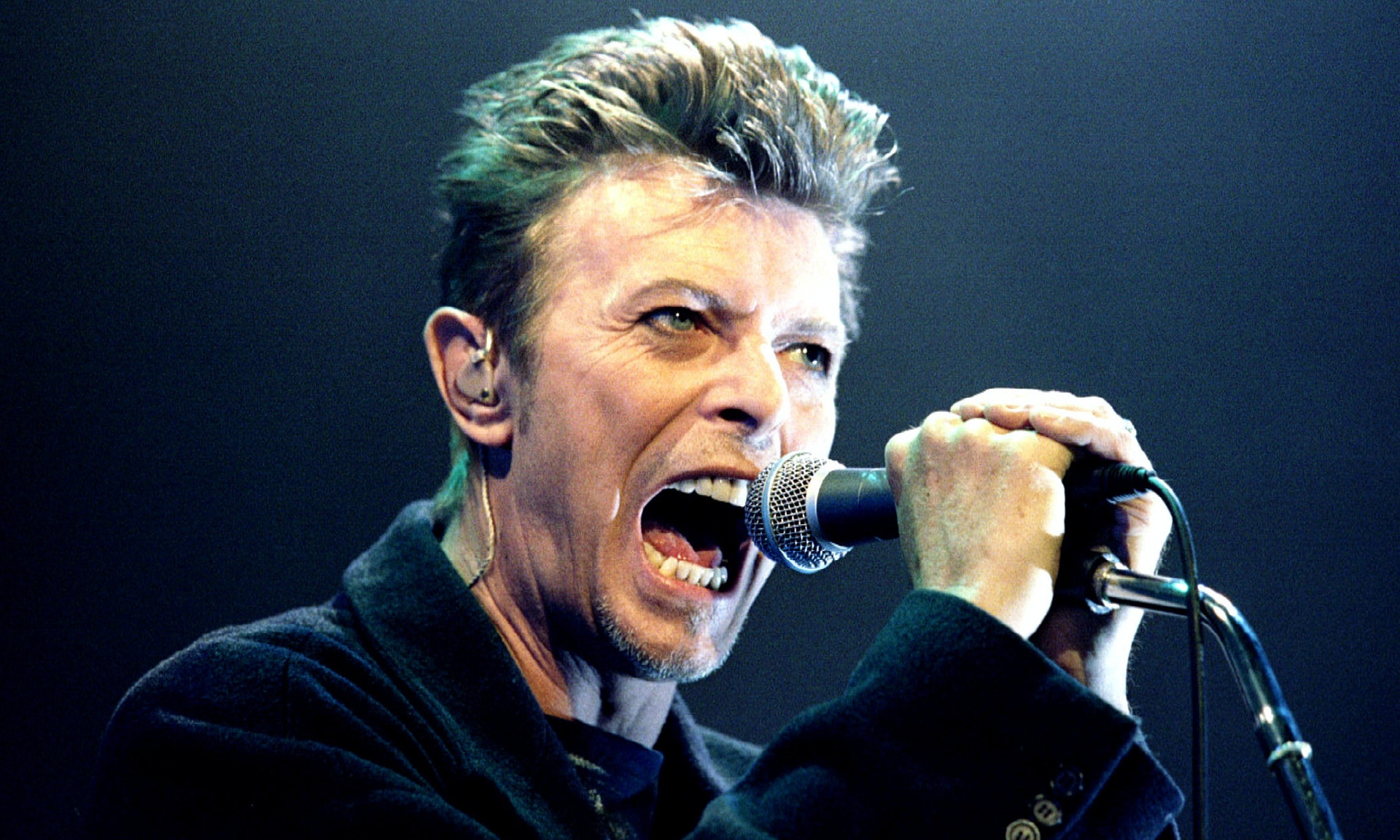 David Bowie dies of cancer aged 69_01