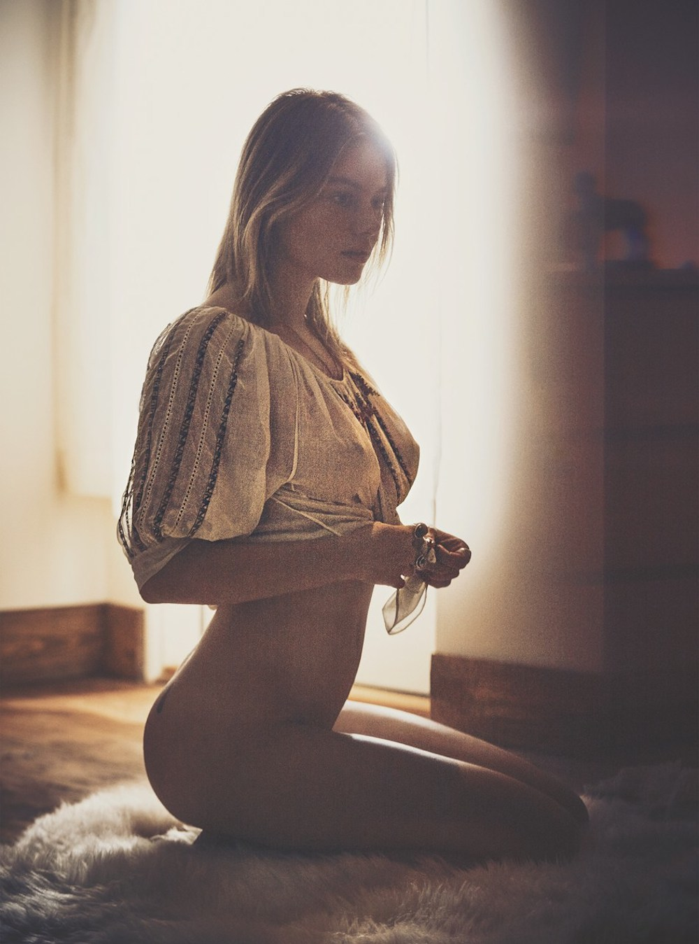 Camille-Rowe-by-Guy-Aroch-Playboy_09