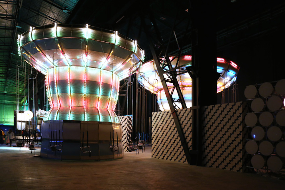 Carsten-Holler-Doubt-exhibition-double carousel-01
