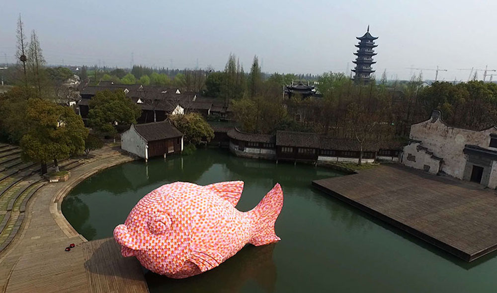 Florentijn-Hofman-Floating-Fish-Art-Wuzhen-01