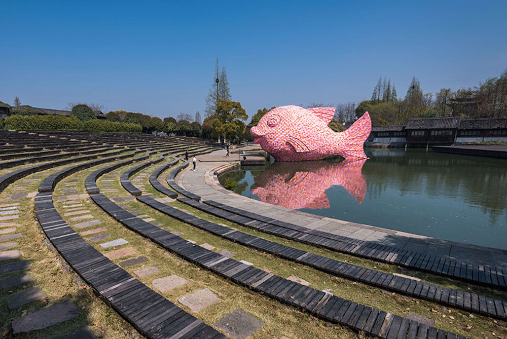 Florentijn-Hofman-Floating-Fish-Art-Wuzhen-02
