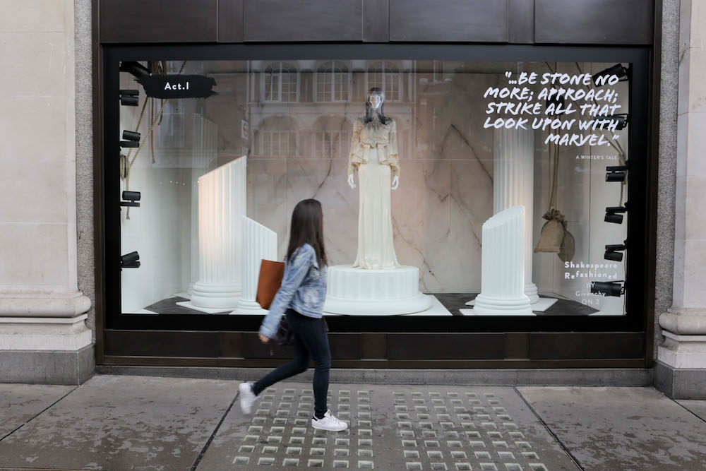 Much Ado About Nothing: Selfridges launches a summer of Shakespearian celebrations across all its stores and online at selfridges.com with new window. PHOTO MATT WRITTLE © copyright Matt Writtle 2016.