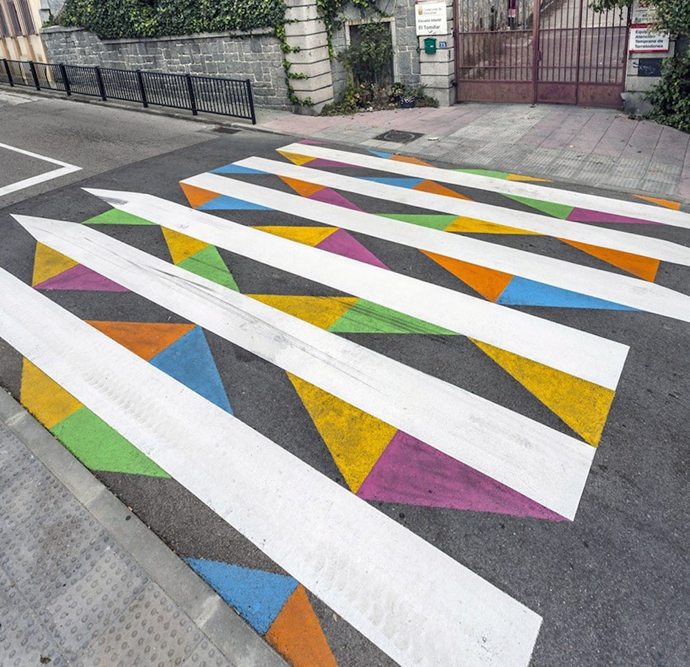 christo-guelov-colourful-pedestrian-crossings-madrid_03
