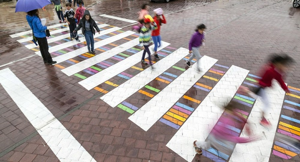 christo-guelov-colourful-pedestrian-crossings-madrid_04
