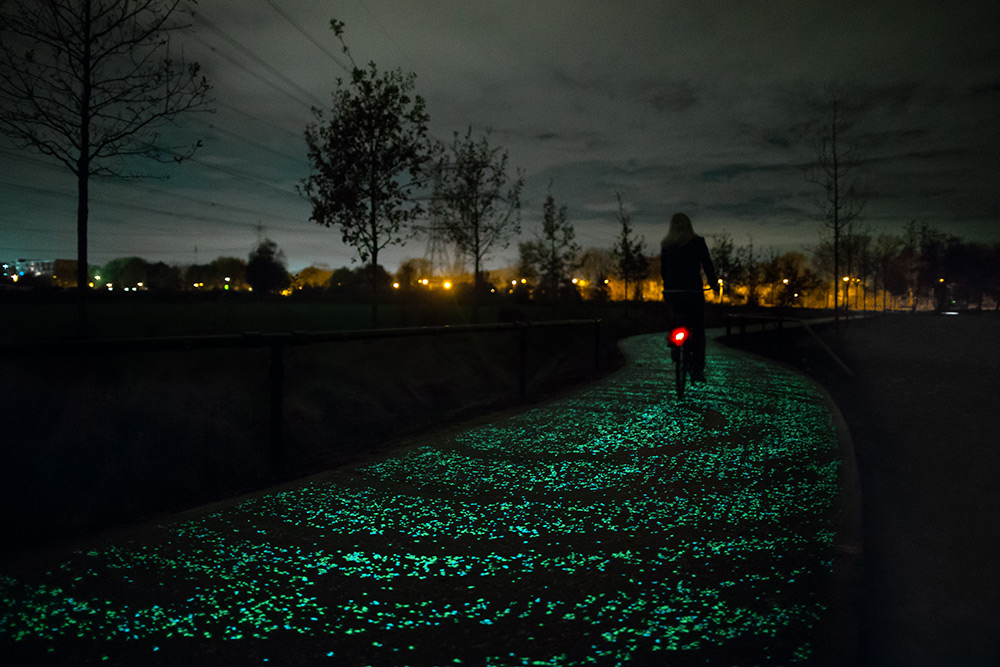 daan-roosegaarde-van-gogh-bicycle-path_01