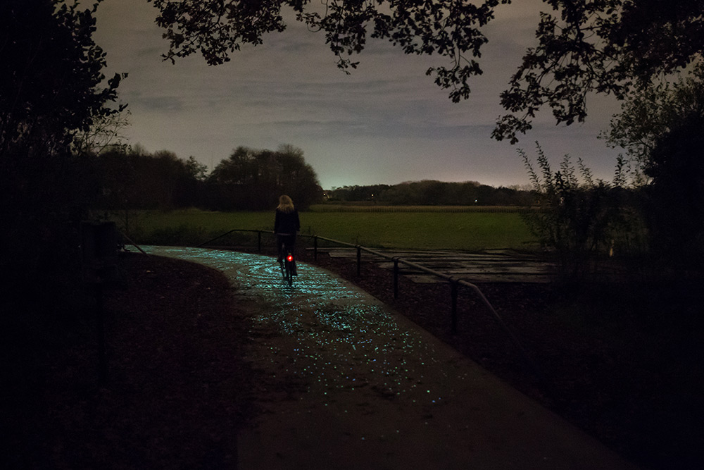 daan-roosegaarde-van-gogh-bicycle-path_08