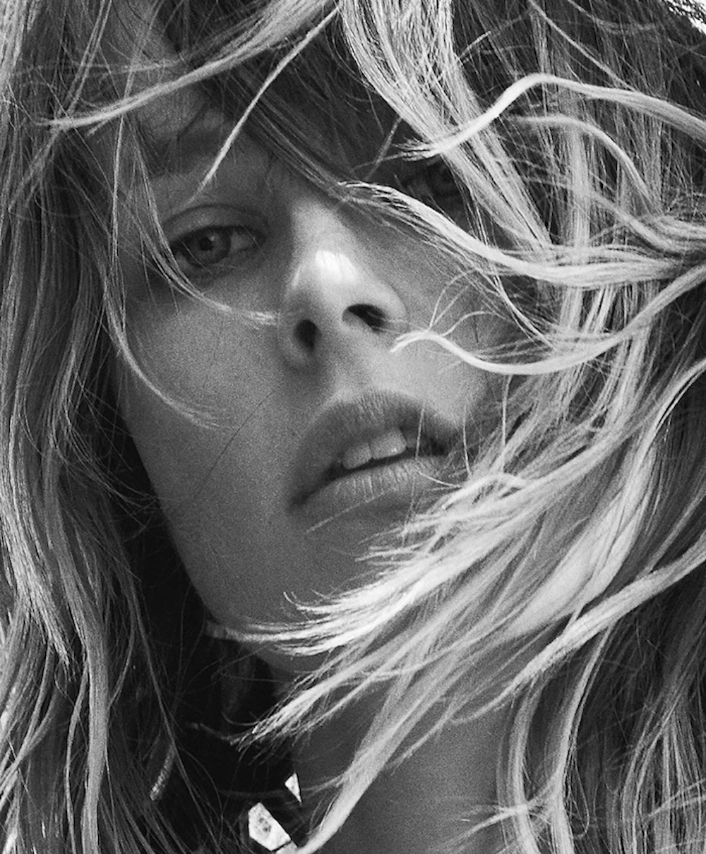 edie-campbell-by-lachlan-bailey-for-industrie-magazine_01
