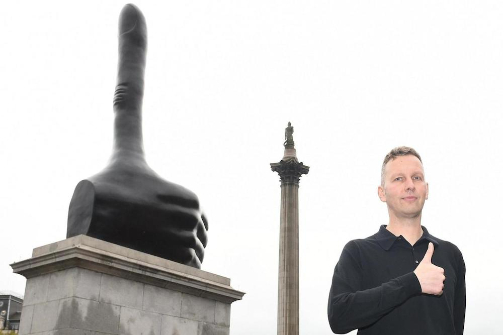 david-shrigley-really-good-fourth-plinth-london_02
